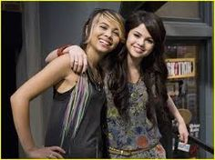 Selena Gomez and Hayley Kiyoki! Wizards Of Waverly Place, Alex Russo, Disney Stars, Future Wife, Selena Gomez, Bff, Crushes, Tv Shows, Hair Cuts