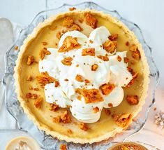 Crisp, sweet pastry with a creamy filling and a crunch of honeycomb, this luxurious tart is sure to bring some Christmas cheer and will get guests talking!