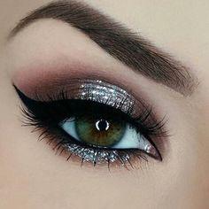 Imagem de makeup, eyeliner, and glitter