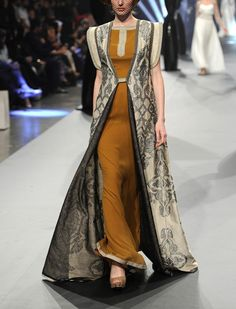 "agameofclothes: "" What Qohori woman would wear, Zareena """