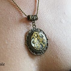 Collier steampunk, médaillon engrenage.