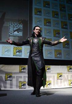 Loki - glorious comic con entrance