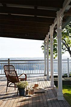 Lake Terrace Home