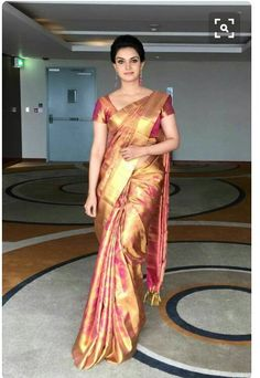 New wedding dresses classic elegant skirts Ideas Indian Bridal Sarees, Bridal Silk Saree, Indian Silk Sarees, Indian Beauty Saree, Pure Silk Sarees, Saree Wedding, South Indian Sarees, Satin Saree, Red Saree