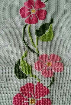 This Pin was discovered by Hav Cross Stitch Borders, Cross Stitch Rose, Cross Stitch Flowers, Cross Stitch Designs, Cross Stitching, Cross Stitch Embroidery, Hand Embroidery, Cross Stitch Patterns, Embroidery Designs