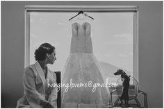 Clientes satisfechos. Novia Zaida colgando su vestido e novia de un gancho personalizado Hanging Love. Nos encanta esta gotografía de Boda.  Enviamos a toda la República Mexicana