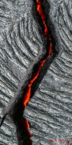 Science Discover Kilauea Blood line Color Photography Amazing Photography Photography Portraits Mother Earth Mother Nature Lava Flow Natural Phenomena Art Graphique Nature Pictures Color Photography, Amazing Photography, Nature Photography, Photography Portraits, Mother Earth, Mother Nature, Lava Flow, Art Graphique, Natural Phenomena