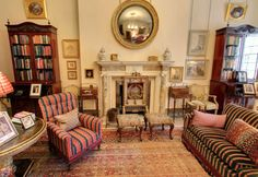 Inside Clarence House: Prince Charles' Home - The Lancaster Room Sitting Room English Country Decor, Clarence House, Royal Residence, English House, Prince Charles, Drawing Room, Beautiful Space, Interior Decorating, British