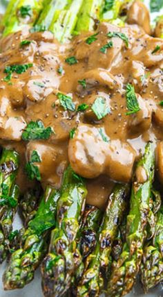 Grilled Asparagus in a Creamy Balsamic Mushroom Sauce Recipe : Smoky grilled asparagus topped with a creamy mushroom sauce with a hit of tangy balsamic vinegar! Side Dish Recipes, Vegetable Recipes, Vegetarian Recipes, Cooking Recipes, Healthy Recipes, Sauce Recipes, Vegetarian Lifestyle, Cheap Recipes, Top Recipes