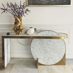 Super fun piece does anyone know who makes it ? Ad Design, Design Show, Interior Design, Marble Tables, Gold Accessories, Console Table, Luxury Homes, Entryway Tables, Entrance