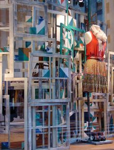 How to ReCreate These 12 Window Displays from Anthropologie Diy Design, Design Loft, Design Shop, Window Display Retail, Window Display Design, Anthropologie Display, Old Window Frames, Window Ideas, Window Panes