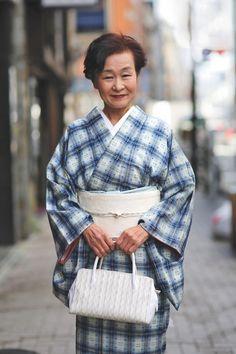 Advanced Style é um documentário que traz vídeos e fotografias de idosos que tem um estilo incrível pelas ruas, independente de suas idades.