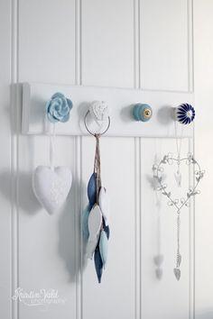 Kristín Vald: A little hi ! Diy Home Crafts, Diy Home Decor, Furniture Makeover, Diy Furniture, Door Knobs Crafts, Diy Jewelry Holder, Necklace Holder, Doorknob Hangers, Wood Creations