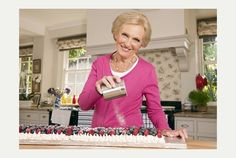 Mary Berry - meringue tranche with berries and cream