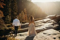 Yosemite Engagement Photos // A magical engagement session in one of the most beautiful locations on planet earth, Glacier Point. Formal Engagement Photos, Mountain Engagement Photos, Engagement Pictures, Engagement Shoots, Wedding Photoshoot, Wedding Shoot, Yosemite Wedding, California, Engagement Photo Inspiration