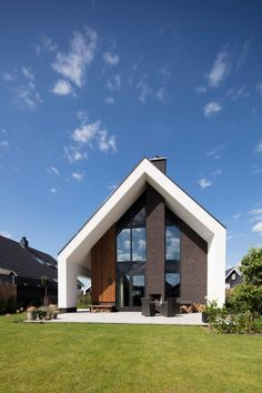 Architecture Model Making, Modern Architecture, Home Building Design, Building A House, Gable House, Modern Barn House, Home Exterior Makeover, House Front Design, Villa Design