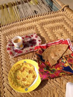 Breakfast on a charpai Punjab Culture, Beautiful Morning Messages, Restaurant Themes, Pakistani Culture, Snap Food, Indian Food Recipes, Ethnic Recipes, Food Wallpaper, Desi Food