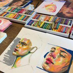 Sketchbook Inspiration, Art Sketchbook, Art Sketches, Art Drawings, Fuchs Illustration, Art Et Design, Oil Pastel Art, Oil Pastels, Drawn Art
