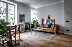 Here are the Scandinavian Interior Decorating Ideas For Small Spaces. This post about Scandinavian Interior Decorating Ideas For Small Spaces … Scandinavian Apartment, Scandinavian Interior Design, Scandinavian Home, Contemporary Interior, Nordic Design, Home Living Room, Apartment Living, Living Room Designs, Living Room Decor