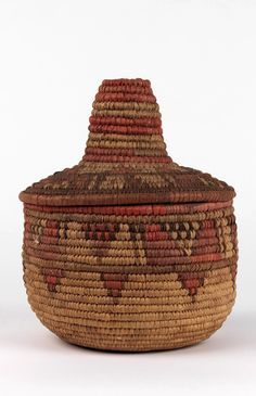 Africa | Basket with lid from Ethiopia | Grass, pigment