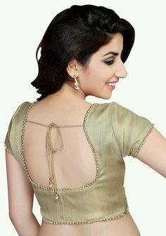 59 Trending Blouse Designs In 2020 That Will Impress You Golden Blouse Designs, Brocade Blouse Designs, Wedding Saree Blouse Designs, Simple Blouse Designs, Saree Blouse Neck Designs, Stylish Blouse Design, Designer Blouse Patterns, Brocade Blouses, Frock Fashion