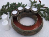 Advent Wreath, Wreath Ideas, Pottery Ideas, Clay Crafts, Ceramic Pottery, Candles, Christmas, Inspiration, Mud