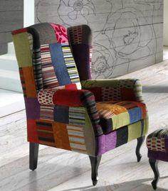 Sillón TEIDE tapizado a mano en patchwork de la firma Hersán. Tapizado a mano, el sillón modelo Perú es totalmente personalizable.