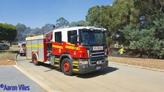 Minor bush fire being extinguished by Armadale heavy tanker and small truck. Female Firefighter, Pressure Pump, Small Trucks, Emergency Vehicles, Firefighting, Fire Engine, Ambulance, Western Australia, Fire Trucks