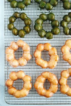 A copycat recipe for the Pon de Ring Donuts from Mr. Donut in Japan! They got a soft, airy, bouncy, chewy, and mochi-like texture.all at the same time! Easy Japanese Recipes, Japanese Food, Japanese Salad, Asian Recipes, Japanese Donuts, Asian Desserts, Asian Snacks, Japanese Desserts, Filipino Desserts