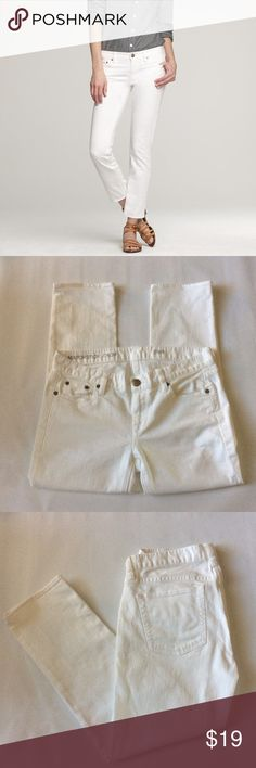 """White Cropped Jeans White cropped jeans. GUC. 98%Cotton, 2%Elastane. Measured laying flat and across: 15.5""""W, 8""""Front Rise, 11""""Back Rise, 25""""Inseam (Length). J. Crew Factory Jeans Ankle & Cropped"""