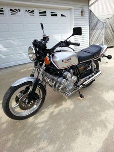 Finally got myself a CBX 😎 Classic Honda Motorcycles, Honda Motorbikes, Honda Bikes, Vintage Motorcycles, Cars And Motorcycles, Japanese Motorcycle, Motorcycle Art, Honda Cb Series, Honda Legend