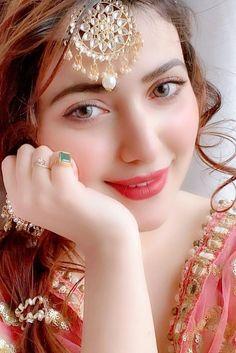 Pakistani Girls Pic, Beautiful Pakistani Dresses, Beautiful Hijab, Punjabi Girls, Stylish Girls Photos, Stylish Girl Pic, Cute Girl Poses, Cute Girl Photo, Beautiful Girl Photo