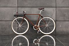 brown fixed gear.    That is classy.