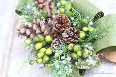 Wood slice & Burlap Christmas Wreath - Finding Home Farms Christmas Post, Burlap Christmas, All Things Christmas, Diy Wood Bench, Reclaimed Wood Dining Table, Wood Carving For Beginners, Wood Slice Crafts, Xmas Wreaths, Burlap Wreaths