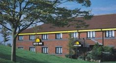 Days Inn Hotel Membury Lambourn Offering free Wi-Fi and free parking, this Days Inn is located between junction 14 and 15 of the M4, close to Swindon and Newbury. Next to a Starbucks, it features rooms with flat-screen TVs.