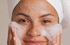 12 Easy to Follow Home Remedies to Get Rid of Freckles