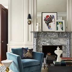 Правильная мебель не только вдохнет современности в вашу квартиру и обновит ее, но и сделает ее более просторной. Как? – спросите вы. Обычно, ведь правильная мебель использует и занимает минимум пространства, экономя его. Таким образом, мебель сама прячется и освобождает место в дизайне интерьера.
