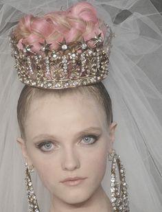 christian lacroix vlada roslyakova Christian Lacroix, Couture Fashion, Fashion Show, Runway Fashion, Couture Makeup, Fashion Hair, Pink Fashion, Luxury Fashion, Vlada Roslyakova