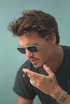 Get of Johnny Depp Tattoo Design Ideas & Picture Gallery help to choose your own Johnny Depp Tattoo Design. Get Most Popular Johnny Depp Tattoos Ideas. Johnny Depp Glasses, Johnny Depp Smoking, Guys Smoking, Pretty People, Beautiful People, Deep Photos, Deep Images, Johny Depp, Hommes Sexy