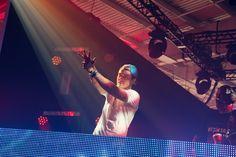 Behind the Scenes of the YouTube Music Awards - Avicii. #ytma #photography Tim Bergling, Avicii, Music Awards, Behind The Scenes, Concert, Reading, Youtube, Photography, Photograph