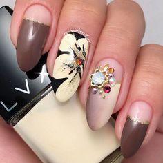 New Nail Art Images for Fall Fall Nail Art Designs, Pretty Nail Designs, Cute Nails For Fall, Fall Nails, Fall Nail Polish, Nail Art Images, Japanese Nail Art, Floral Nail Art, Striped Nails