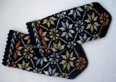 Hand knitted wool mittens Hand knitted wool by mittenssocksshop Mittens Pattern, Knit Mittens, Knitting Socks, Hand Knitting, Wool Gloves, Knitted Gloves, Fall Gifts, Star Ornament, Christmas Knitting