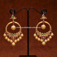 30 Amazing Designs of Chandbali Earrings for women Gold Jhumka Earrings, Jewelry Design Earrings, Gold Earrings Designs, Gold Jewellery Design, Necklace Designs, Gold Jewelry, Chand Bali Earrings Gold, Gold Designs, Indian Earrings