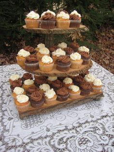 Cupcake Stand Rustic Wedding Log Slices 3 Tier by YourDivineAffair Wood Router, Wood Lathe, Cnc Router, Rustic Cupcakes, Cake Holder, Log Slices, Serving Table, Tiered Stand, Wooden Bowls
