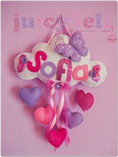 Felt name banner - girl room decoration Baby Crafts, Felt Crafts, Diy And Crafts, Felt Name Banner, Name Banners, Craft Projects, Projects To Try, Felt Baby, Felt Decorations