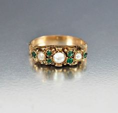 Antique Victorian 14K Gold Pearl Emerald Ring