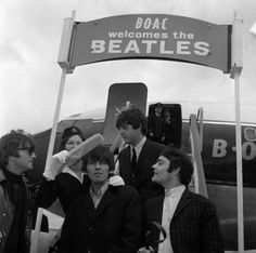 Beatles - Back in the USSR, George is taking the lyrics 'dragged a comb across my head' literally!