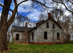 Old Abandoned Mansions for Sale - Bing Images Old Buildings, Abandoned Buildings, Abandoned Places, Old Mansions, Abandoned Mansions, Abandoned Mansion For Sale, Time And Tide, Spooky Places, Daily Photo