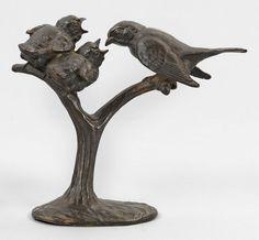 """Wilhelm Carl Robra (1876 Berlin - 1945 Ebenda)""""Spatzen bei Fütterung"""". OriginaltitelBronze, dunkel — Skulpturen, Plastiken, Installationen, Bronzen, Relief"""
