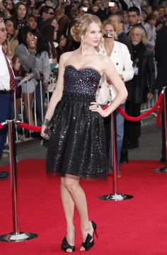Taylor Swift arrives at the Los Angeles premiere of 'Hannah Montana The Movie' at the El Capitan Theatre on April 2 2009 in Hollywood California